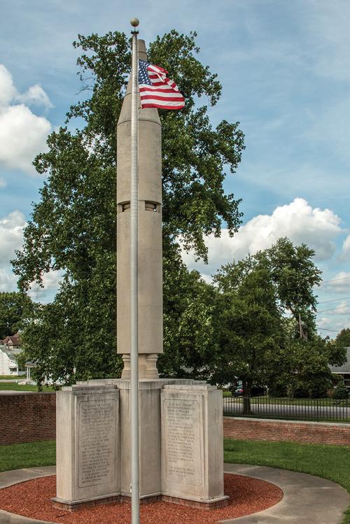 Virgil I Gus Grissom Monument, Atlas Rocket, Gemeni III